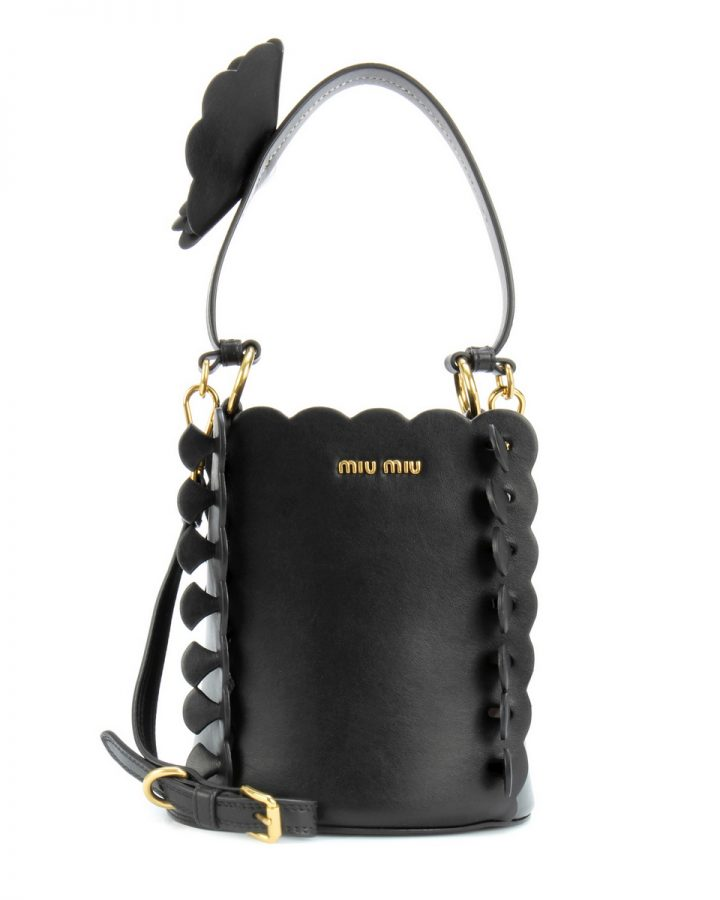 DEL ROSA AL AMARILLO Miu Miu Leather bucket bag bolso negro flor